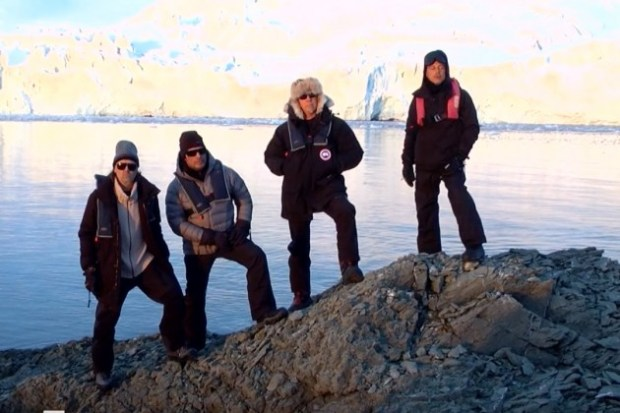 METALLICA - FREEZE 'EM ALL (ANTARCTICA 2013) 1
