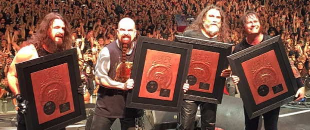 SLAYER with gold-record - BMR
